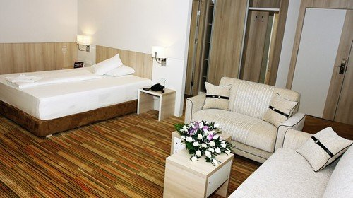 HOTEL HOLLYWOOD