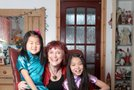 Kathy Lowton s posvojenkama
