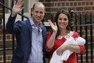 William in Kate z novorojenim sinom