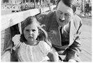 Hitler z deklico