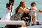 Jennifer Lopez z družino