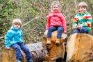 Otroci v gozdu