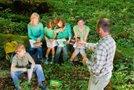 Učenci v gozdu