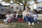 Najstnica Pamela Villarruel z otroki
