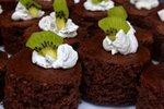 Čokoladne tortice s kivijem