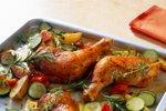Piščančja bedrca z rožmarinom in zelenjavo