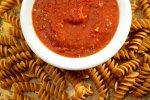 Paradižnikova omaka iz konzerviranega paradižnika