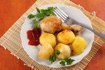 Piščančja bedrca s krompirjem