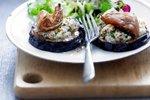Pečene rezine jajčevcev s kozjim sirom in figami