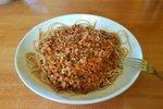 Polnozrnati špageti s paradižnikovo omako s stročnicami