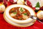 Gobova juha z ječmenom in zelenjavo