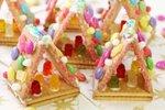 Hišice iz maslenih piškotov