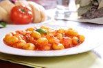 Krompirjevi njoki s paradižnikovo omako