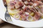 Krompirjeva solata s slanikom