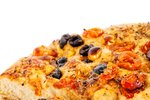 Kruh s paradižnikom in olivami