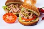 Pikanten tunin sendvič