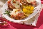 Telečji zrezki s šunko in sirom