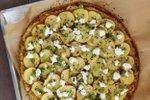 Cvetačna pica s krompirjem in kozjim sirom