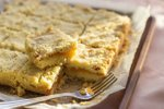 Krhko pecivo z marelično marmelado