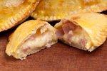Empanada iz šunke in sira