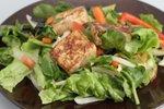 Tofu s solatnim krožnikom