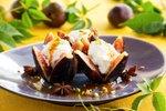 Pečene fige s cimetom in sladoledom