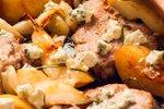 Svinjina s hruškami in gorgonzolo
