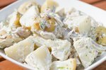 Mlad krompir v solati