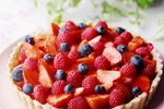 Poletna pita s svežim sadjem