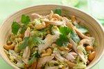 Solata iz piščanca, čičerike in indijskih oreščkov