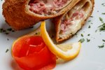 Ocvrti kaneloni s šunko in sirom