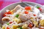 Pražen riž z zelenjavo in piščancem