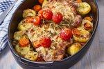 Pečena vratovina s hrenom in krompirjem