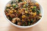 Solata s kvinojo in tofujem