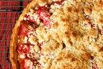 Rabarbarina pita z maslenimi drobtinami