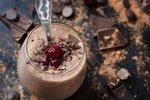 Čokoladni smoothie s češnjami