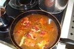 Pršut v vinski omaki - UGC - uporabniški recept