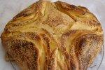 Kruh s skuto in kajmakom