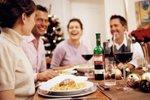 večerja s prijatelji