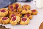 Orehovi piškoti s chia marmelado