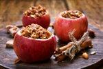 Pečena jabolka s hrustljavimi kosmiči