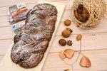 Prepletena čokoladno orehova potica z jabolki