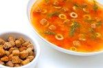 Olivna juha s croutonsi