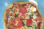 Pica z domačimi vrtninami