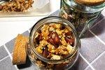 Domača granola iz oreščkov in semen