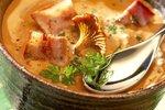 Kremna bučna juha z lisičkami