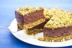 Presna čokoladna torta s pistacijo