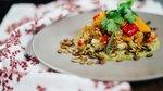Kvinojina solata z zelenim humusom