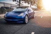 Tesla model 3-naslovna