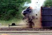 VIDEO: S skoraj 200 km/h v naravnost v betonsko steno - 1